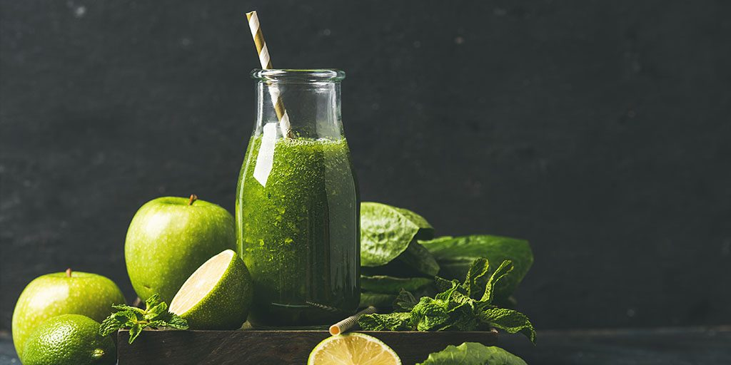 How To Make Detox Green Cleansing Smoothie